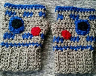 Crochet R2D2 Fingerless Gloves, R2D2 wrist warmers, R2D2 hand warmers, starwars gloves, kids gloves, handmade gifts, starwars gifts