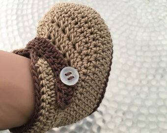 Baby shoes in brown/beige