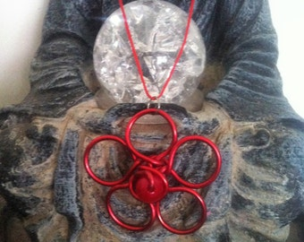 Necklace with pendant flower red aluminum