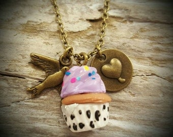 Cupcakekette cupcake and pendant on chain