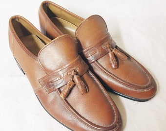 Vintage Dexter shoemakers to america size 9.5 made in USA leather loafers w/ tassels