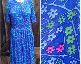 Vintage 60s blue floral short sleeve summer retro daisy secretary day dress