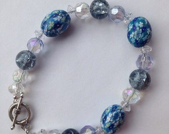 Blue floral beaded bracelet with toggle clasp