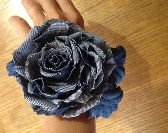 denim bracelet with rose
