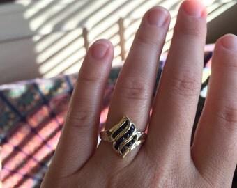 14 Karat Yellow Gold Sapphire snd Diamond Vintage Ring, US Size 7.0, Used