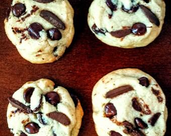 Bakery-Style Dark Chocolate Chunk Cookies
