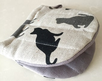 """Diner oven gloves, baking glove, potholders, cooking-mitts """"Shadow cat"""" (5"""" x 5"""") linen/cotton,  gift"""