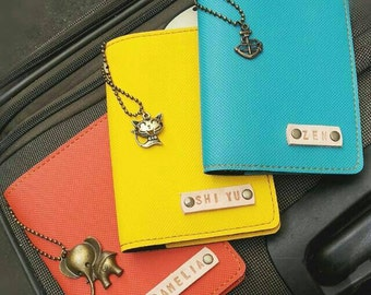 Personalized Passport Holder with 1 Charm