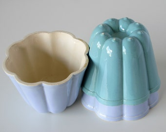 3 Unique Pudding Muffin Cupcake Molds - Fifties - Pastel green and blue