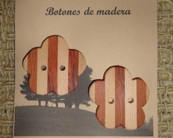 Native Color button in larch wood and Mañio made in Chiloe - Chile