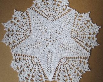 crochet doily with star,white doily,gift idea