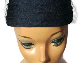 Navy Pillbox Hat With Netting And Four-Tier Style Vintage 1950s