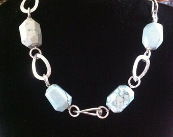Turquoise stones necklace
