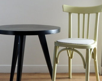 Tripod table of the 60s