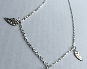 Silver triple leaf charm necklace