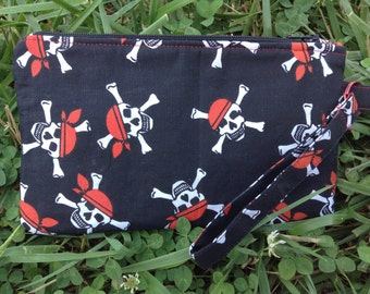 Skull and crossbones pirate wristlet