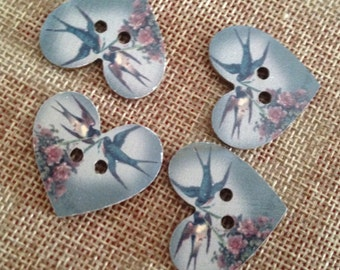 Wooden heart shaped buttons vintage style