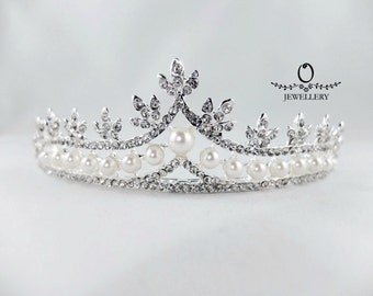 Sparkling Crystal Party Crown