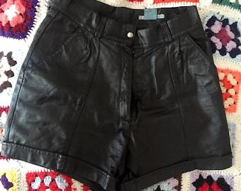 Short black vintage leather 38