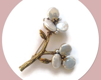 Pearl Branch Vintage Style Brooch in a Gold Setting Giftboxed - Beautiful Gift Idea