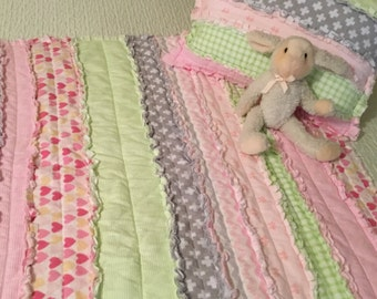 Rag Quilt in Pinks, Flannel Rag Crib Quilt, Girly Rag Crib Quilt, Nursery Quilt, Rag Crib Quilt in Pink, Green, Grey and White