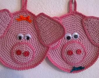 Handmade crochet pot holders piglets