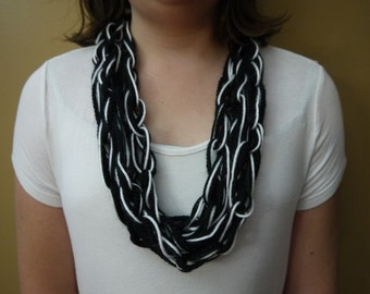Black and white chain link scarf.
