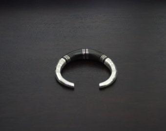 Bracelet solid silver and ebony combination half-moon shaped