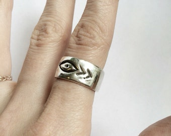 Evil Eye ring,  sterling silver ring, band ring, 925 ring, chunky ring, memento mori, unique ring, stacking ring, unusual ring, talisman