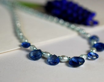 Gemstone necklace with kyanite and freshwater pearls