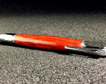 Redheart Pen