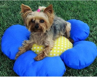 Blue and Yellow Flower-Shaped Dog Bed for Small Dogs /  Flower Bed for Dogs