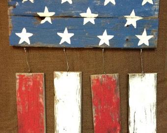 Distressed Wood American fFag Wall Hanging