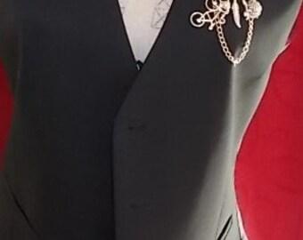 Ladies vintage charm brooch