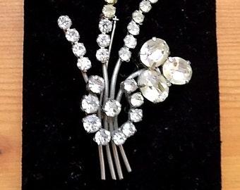 A Beautiful Vintage  Diamante Brooch