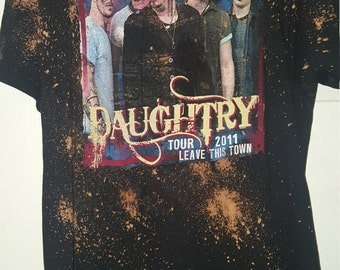 2011 Daughtry tour Bleached and distressed t-shirt sz XL