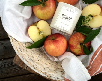 Mulled Cider Signature Scented Soy Wax Blend Candle With Wood Wick