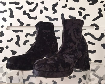 SALE 90s Black Crushed Velvet Chunky Platform Ankle Boots 8 39 7 1/2