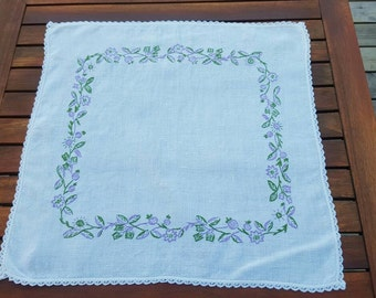 SALE: Swedish vintage white linen tablecloth, doily with hand embroidered flowers
