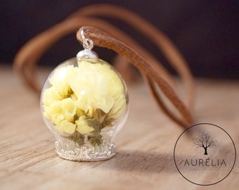 Real dried flowers necklace yellow