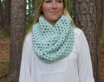 Mint Puffy Extra Wide Cowl