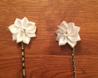 Flower Bobby Pins,Baby Bobby Pins,Infant Bobby Pins,Girls Bobby Pins,Toddler Bobby Pins,White Flowers,Handcrafted,Handmade