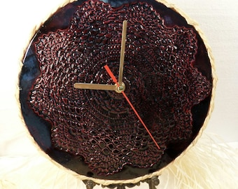 Ceramic modern red wall clock with lace