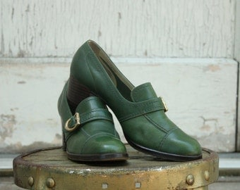 Vintage 70s Green Buckled Heeled Shoes