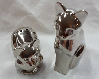 Cats with rhinestone eyes salt and pepper shakers