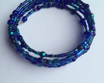 Blue glass beaded memory wire bracelet