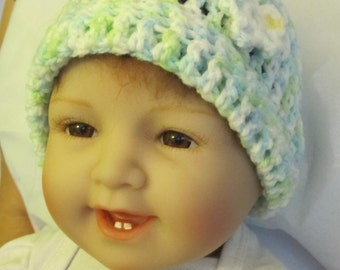 Multi Green Hat with small flower (0-3 months)