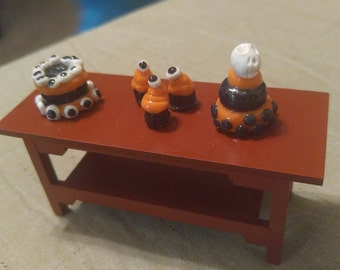 Dollhouse food set of 3 halloween cakes dollhouse ooak handcrafter