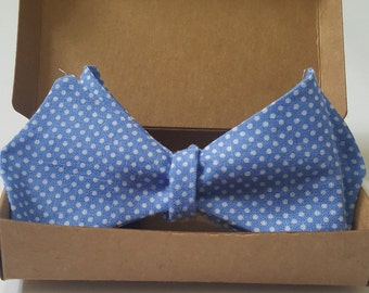 Bow tie - Mens Self tie - Polka dot - Blue - Diamond Tip