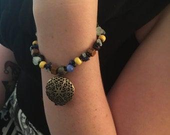 Antique Style Locket Bracelet      A3